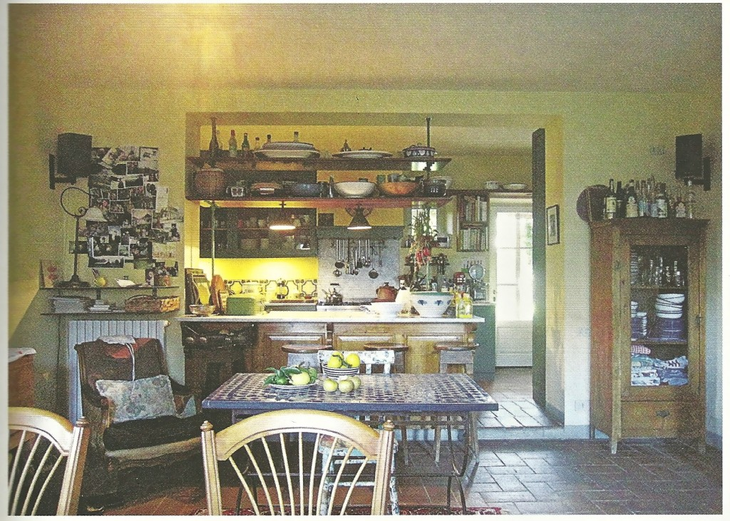 Melissa and Christopher's rented farmhouse kitchen in Tuscany  Photo: Christopher Hirsheimer, from Canal House Pronto!