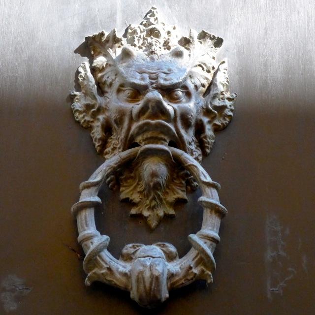 Door knocker, Rimini centro. Photo: Julia della Croce
