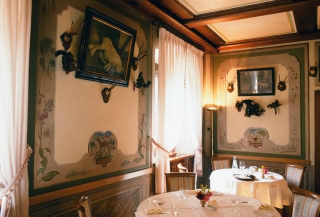 Ristorante Il Capriolo dining room, Vado.