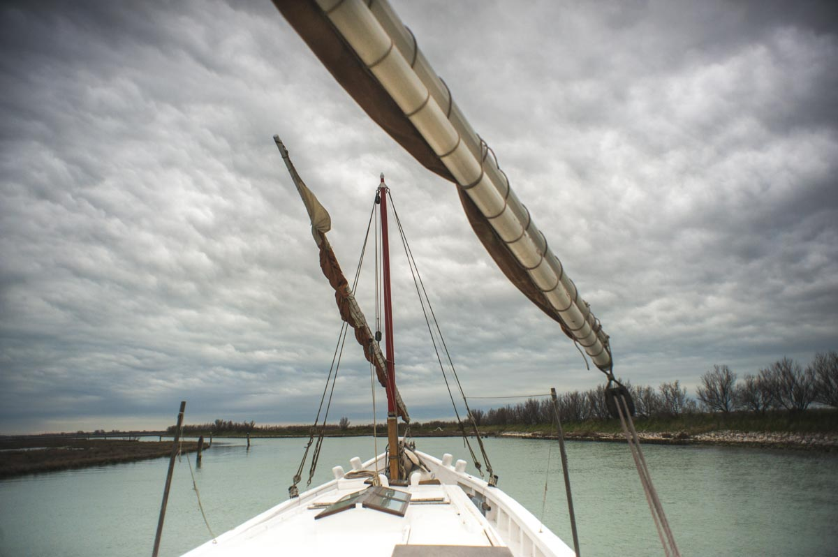 Under sail in the lagoon.
